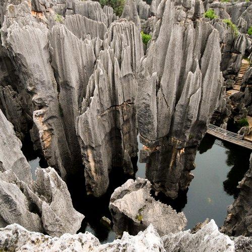 cn_al_kunming_stoneforest.jpg