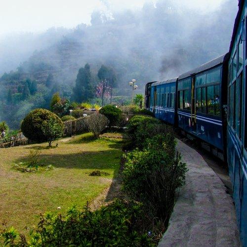 in_al_allahabad trein.jpg