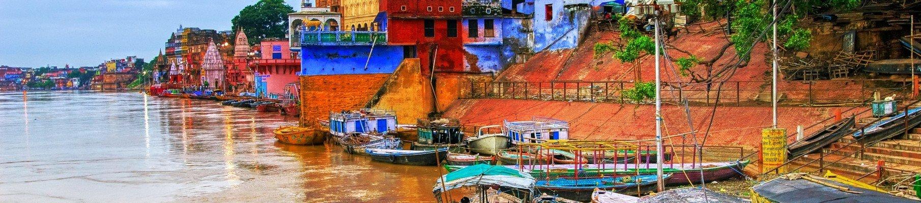 De Heilige Ganges in Varanasi