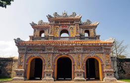 Bekijk de keizerlijke stad Hué