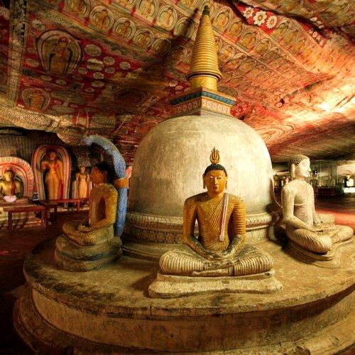 LK_AL_Dambulla-Cave-Temple