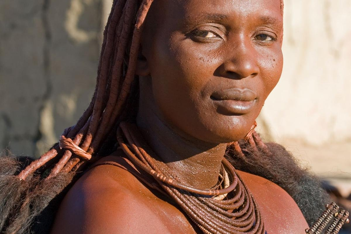 Himba-vrouw in Namibië