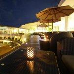 Eden Resort, bar